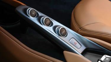 Ferrari F8 Tributo - centre console
