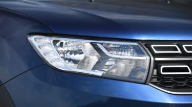 Dacia Sandero Stepway - headlight
