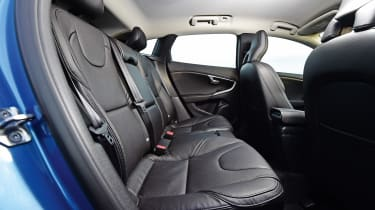 Volvo V40 - rear seats