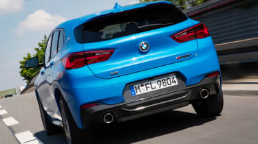 BMW X2 M35i - rear tracking