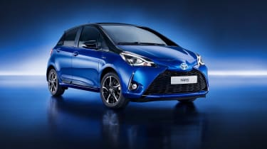 2017 Toyota Yaris Facelift front quarter
