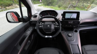 Peugeot Rifter interior