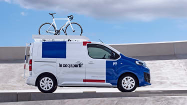 Citroen Disptach Le Coq Sportif - side