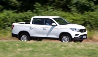 SsangYong Musso EX - front