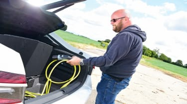 Skoda Superb iV long termer - first report charging cable