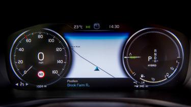 Volvo V60 T8 Twin Engine - dials