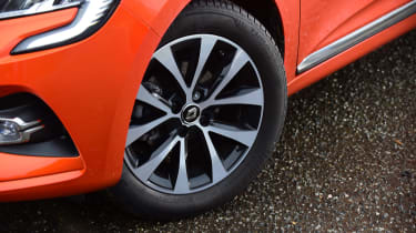 Renault Clio - wheels