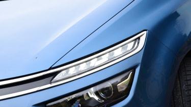 Citroen Grand C4 Picasso front light
