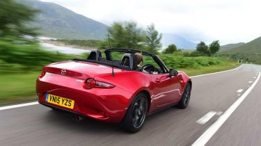 Mazda MX-5 - rear tracking