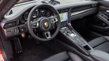Porsche 911 Turbo S 2016 - interior