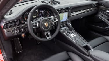 Porsche 911 Turbo S 2016 - interior