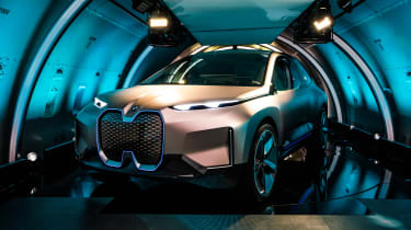 BMW Vision iNEXT concept - plane front