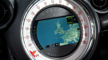 MINI Cooper SD Paceman sat-nav