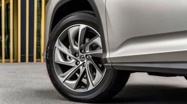 Lexus RX L - wheel