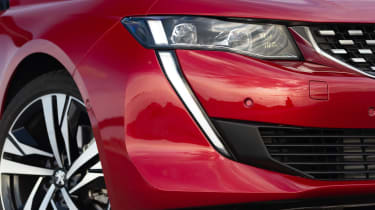 Peugeot 508 - headlight