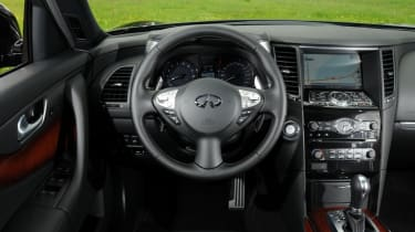 Infiniti FX 50S Premium dash
