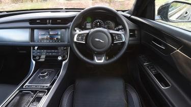 Jaguar XF Sportbrake 3.0 diesel S - dash