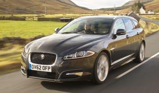 Jaguar XF Sportbrake S Diesel front action