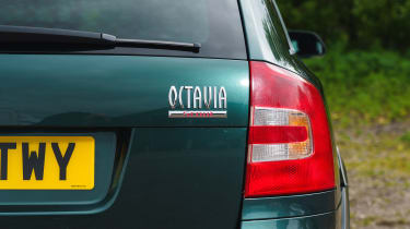 Skoda Octavia Scout - badge