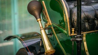 London to Brighton Veteran Car Run  -  Vauxhall horn