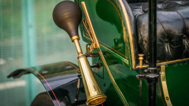 London to Brighton Veteran Car Run  -  Vauxhall horn