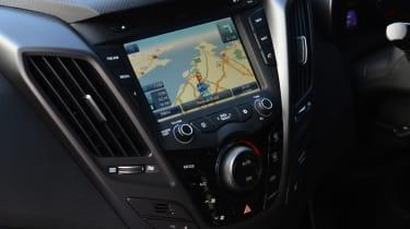 Hyundai Veloster Turbo centre console