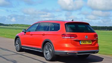 Volkswagen Passat Alltrack - rear