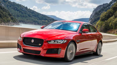 Jaguar XE MY2018 - front tracking