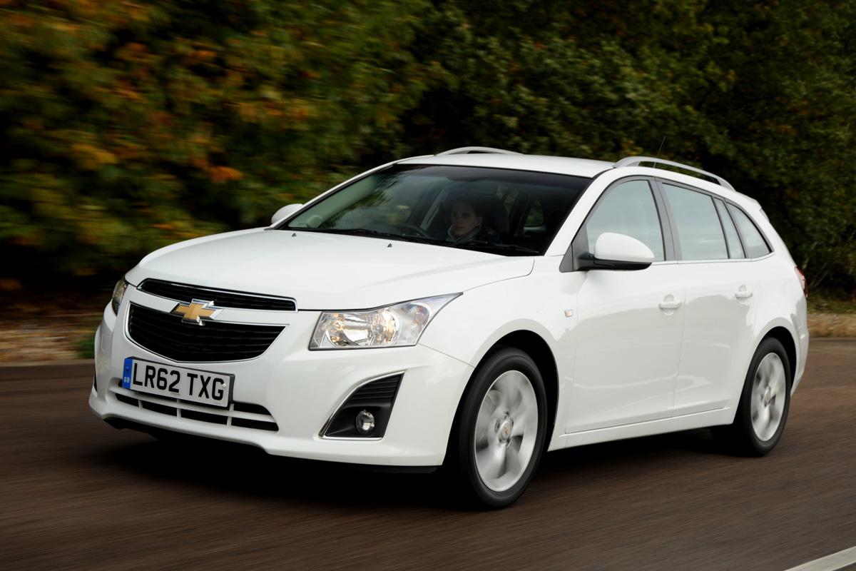Chevrolet Cruze SW (2012-2014) review | Auto Express