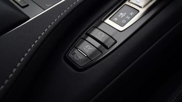 Lexus LC 500h - interior detail