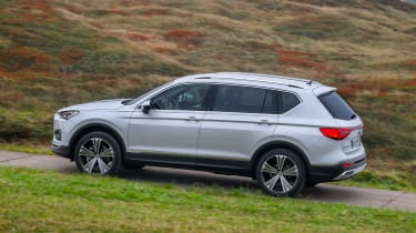 SEAT Tarraco - white side action