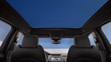 Jaguar E-Pace - glass roof