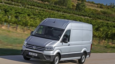 VW Crafter 4motion - front action