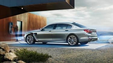 BMW 7 Series plug in