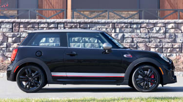 MINI John Cooper Works Knights Edition - side