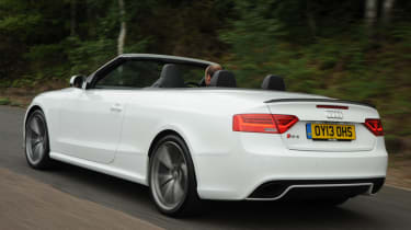 Audi RS5 Cabriolet rear tracking