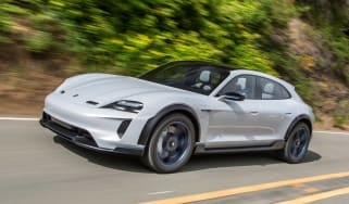 Porsche Mission E Cross Turimso - front