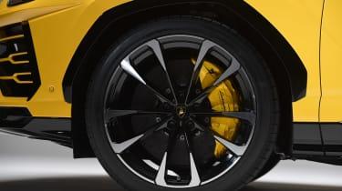 Lamborghini Urus - studio wheel