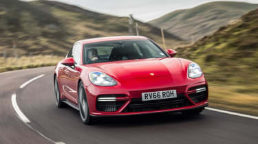 Porsche Panamera Turbo - front cornering