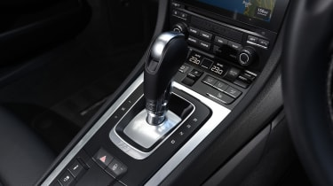 Porsche Cayman - gear shifter