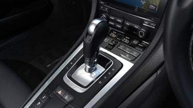 Porsche Cayman - gear shifter
