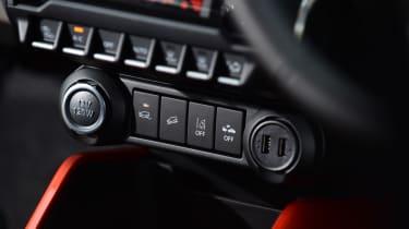Suzuki Ignis 2016 - dashboard 2