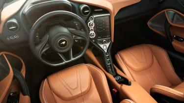 McLaren 720 Spider - dash