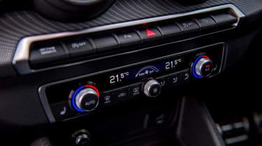 Audi Q2 - buttons