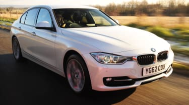 BMW 320i xDrive front tracking