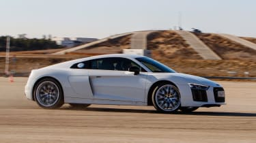 Audi R8 RWS - side drift