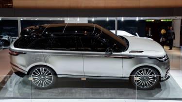 Range Rover Velar show - side