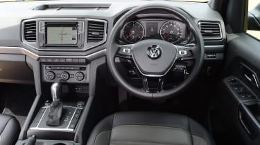 Volkswagen Amarok Dark Label - interior