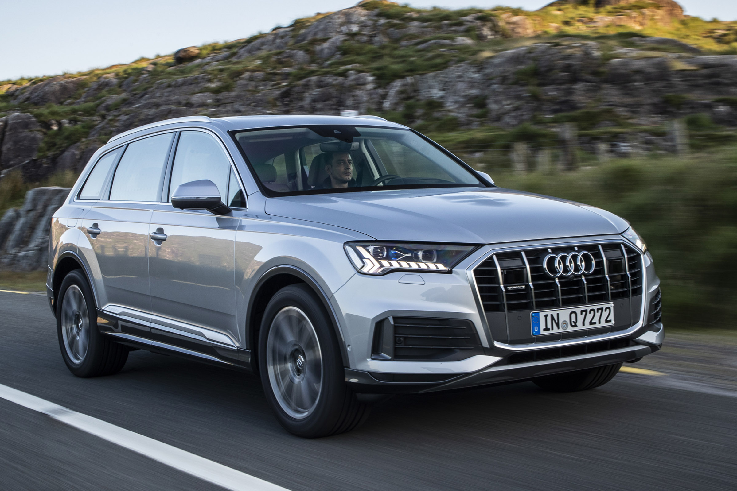 Audi Q7 Practicality Boot Size Dimensions Luggage Capacity Auto Express