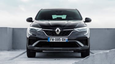 Renault Arkana - full front black static